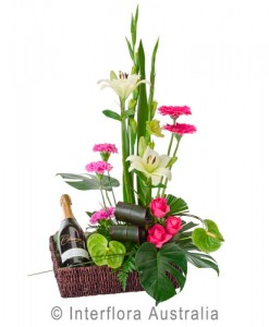 296-Designer-Flower-Basket-with-Sparkling-Wine