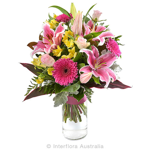723 Large Bright Bouquet in a Glass Vase