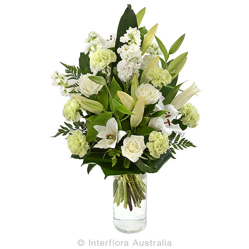 725 Large Bouquet in a Glass Vase