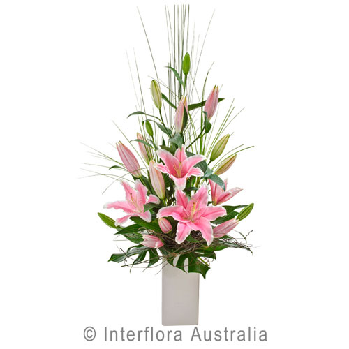 302-Elegant-Arrangement-of-Oriental-Lilies